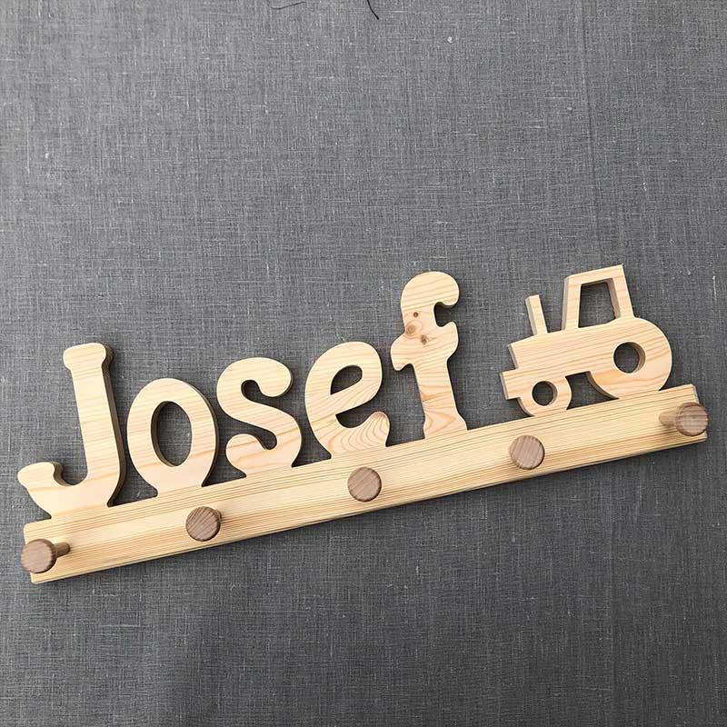 Holzgarderobe Josef mit Trecker
